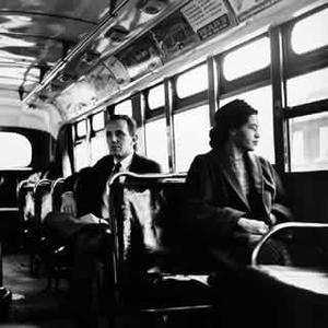 Rosa_parks_in_bus_1